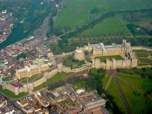 ۱۲۸۰px-Windsor_Castle_from_the_air